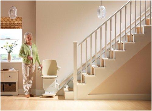 le monte escalier lectrique siena confortable et conomique stannah. Black Bedroom Furniture Sets. Home Design Ideas